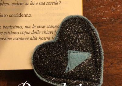 Segnalibro cuore nero glitter