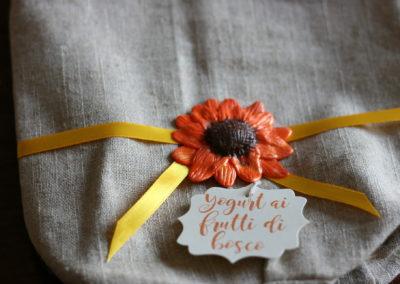 Sacchetto confettata con girasole in pasta modellabile