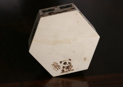 Scatola porta fedi in legno pirografata